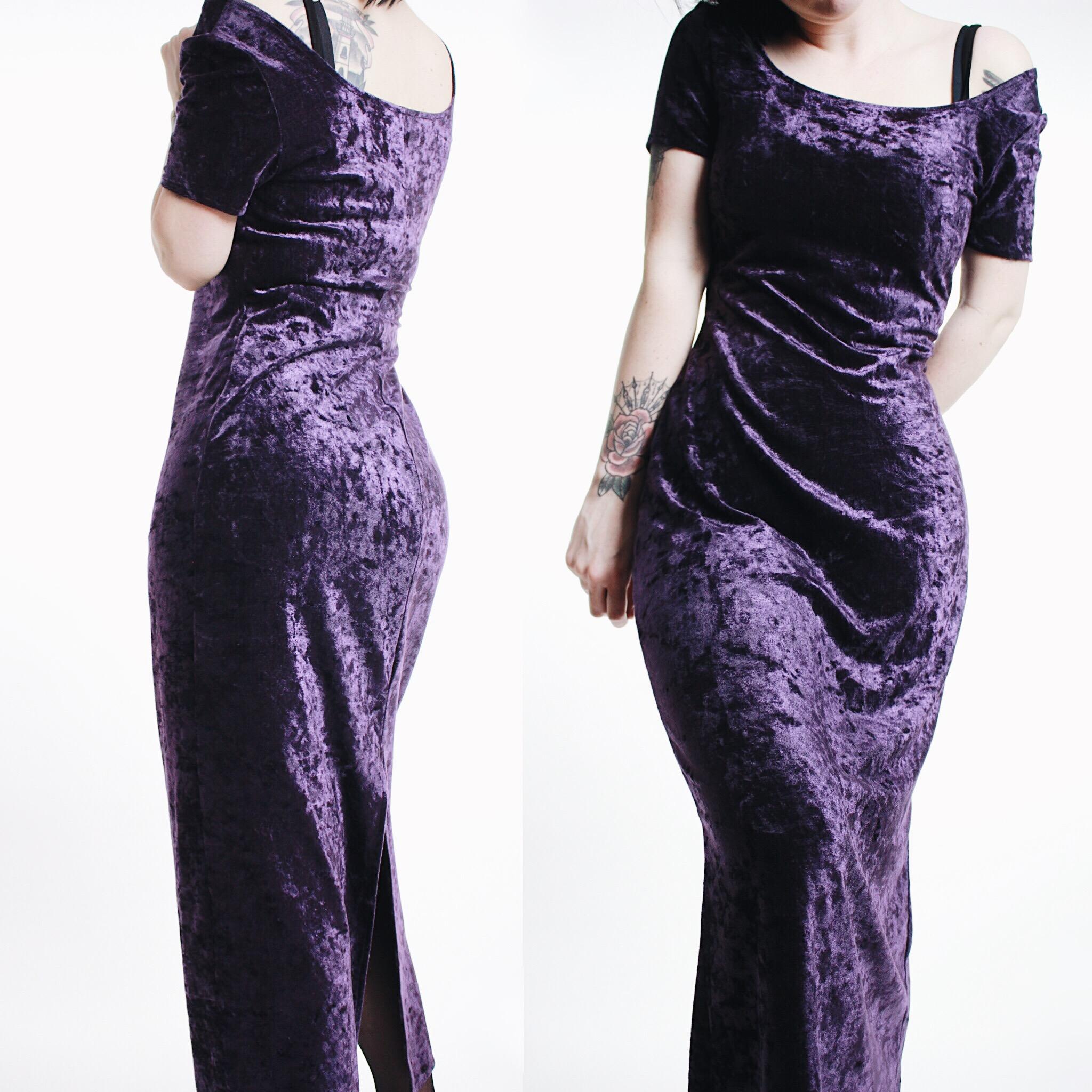 dd271672c78 CLAIMED  isode   - Vintage 90s Purple Crushed Velvet Short Sleeve Maxi Dress