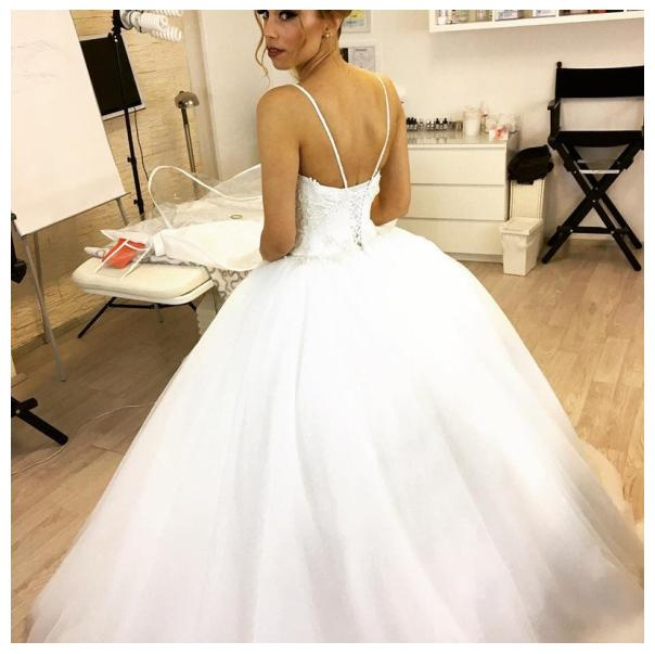 Wedding Ball Gowns With Straps: Spaghetti Straps Ball Gown White Wedding Dresses,Lace Up