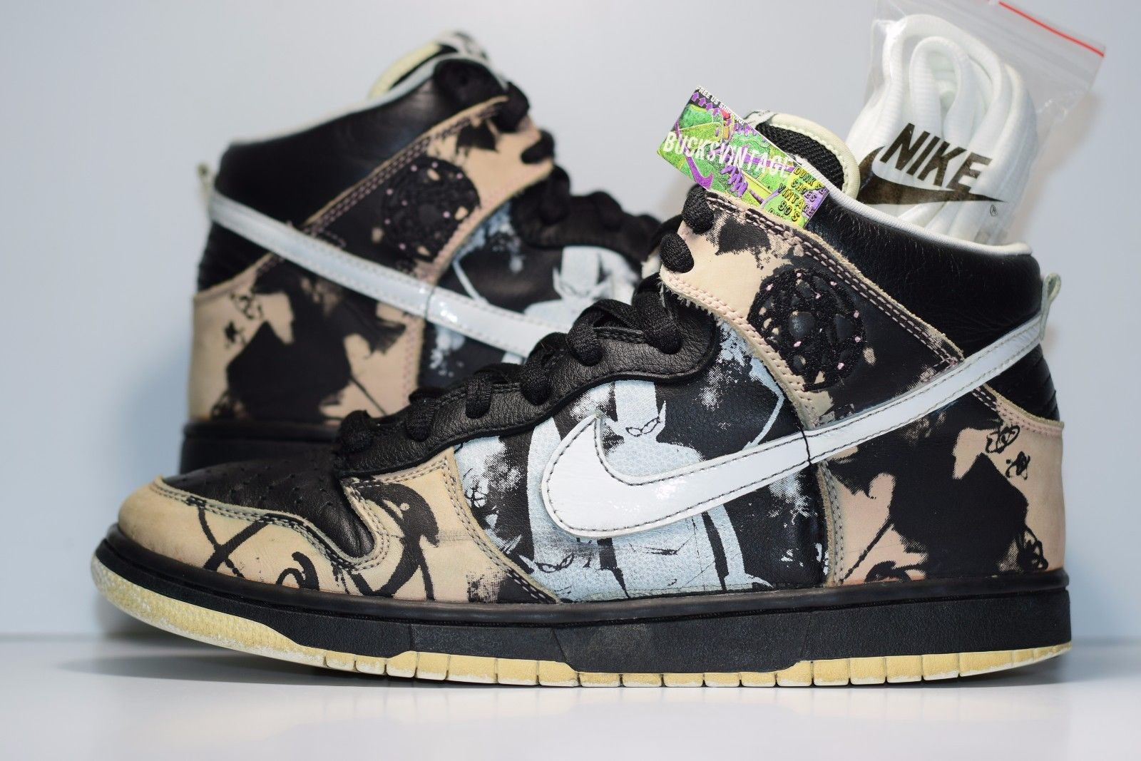 new product 2fbd8 c32aa ... get size 10 2004 nike dunk unkle 305050 013 black white 1dab9 0c0b7