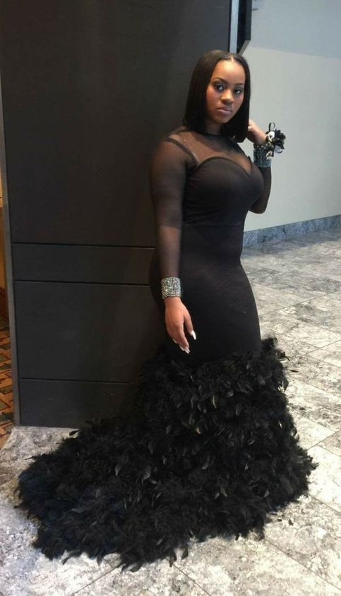 2019 Black Girl Feather Prom Dresses Long Sleeves African Style Plus Size Evening Dress Mermaid