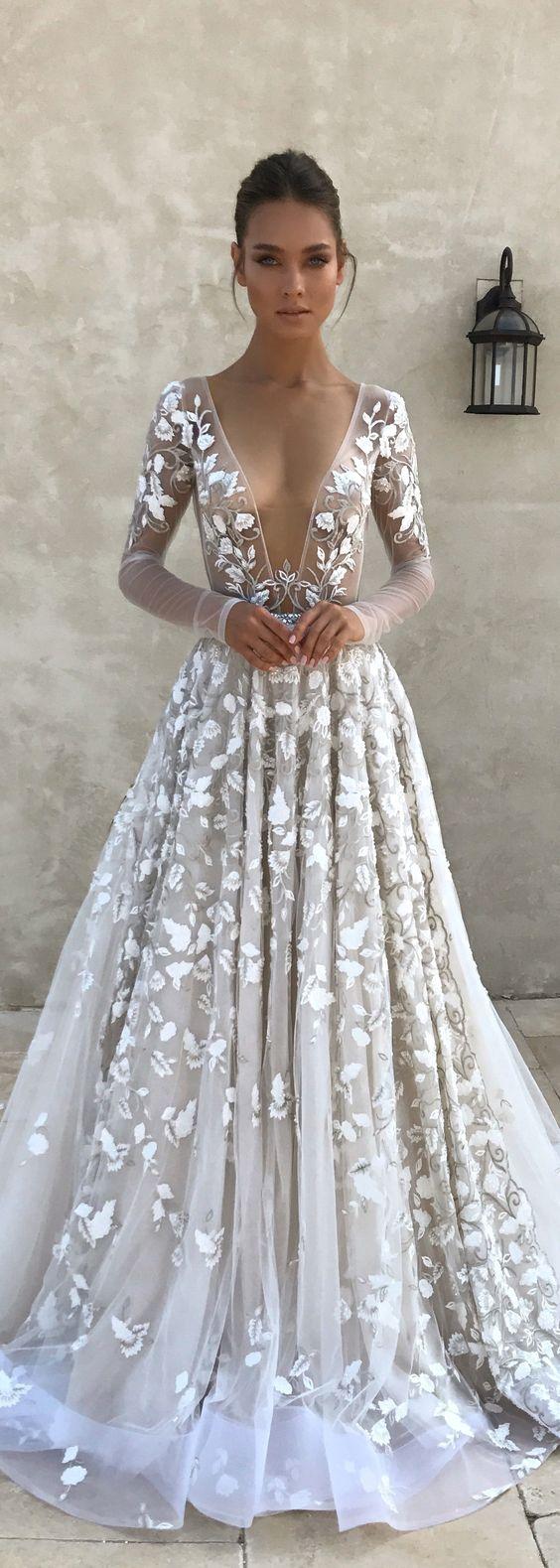 Stunning Luxury Sexy Tulle Wedding Dresses Sexy Deep V Neck Sheer