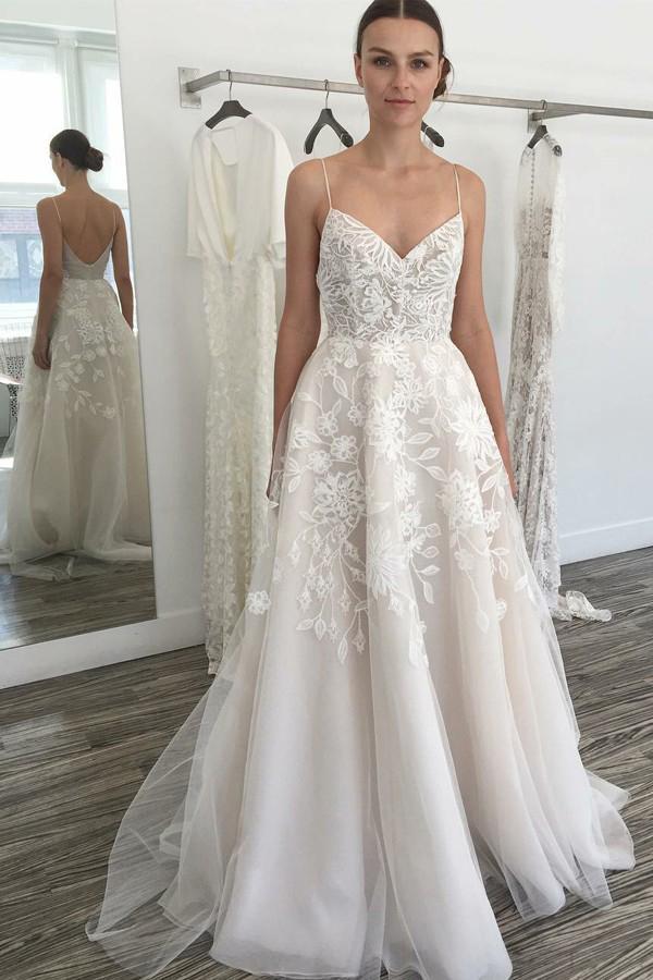 7c99045233b 2018 Summer Beach Wedding Dress V Neck Spaghetti Straps Backless Lace  Appliques Floor Length Wedding Party