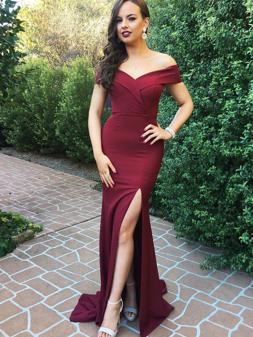 Sexy Mermaid Off-Shoulder Split-Front Burgundy Long Prom Bridesmaid Dress ec87bf2ce