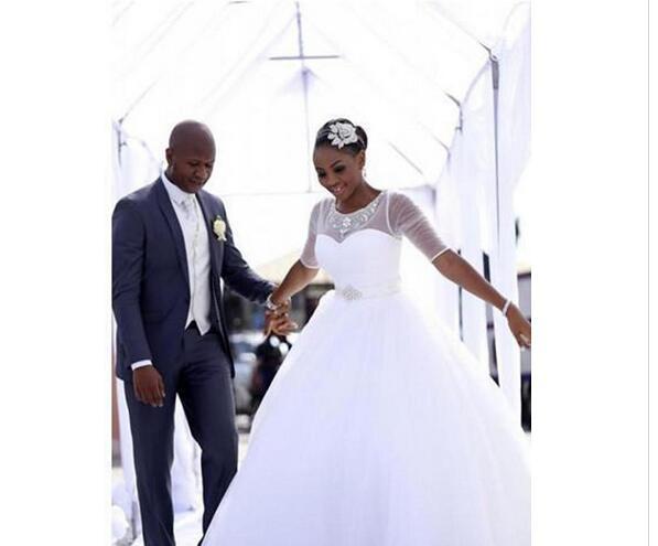 21b5391093203 Plus Size 2019 Arabic Vestido de Novia Ball Gown Wedding Dresses with  Sleeves Jewel Neck Beads