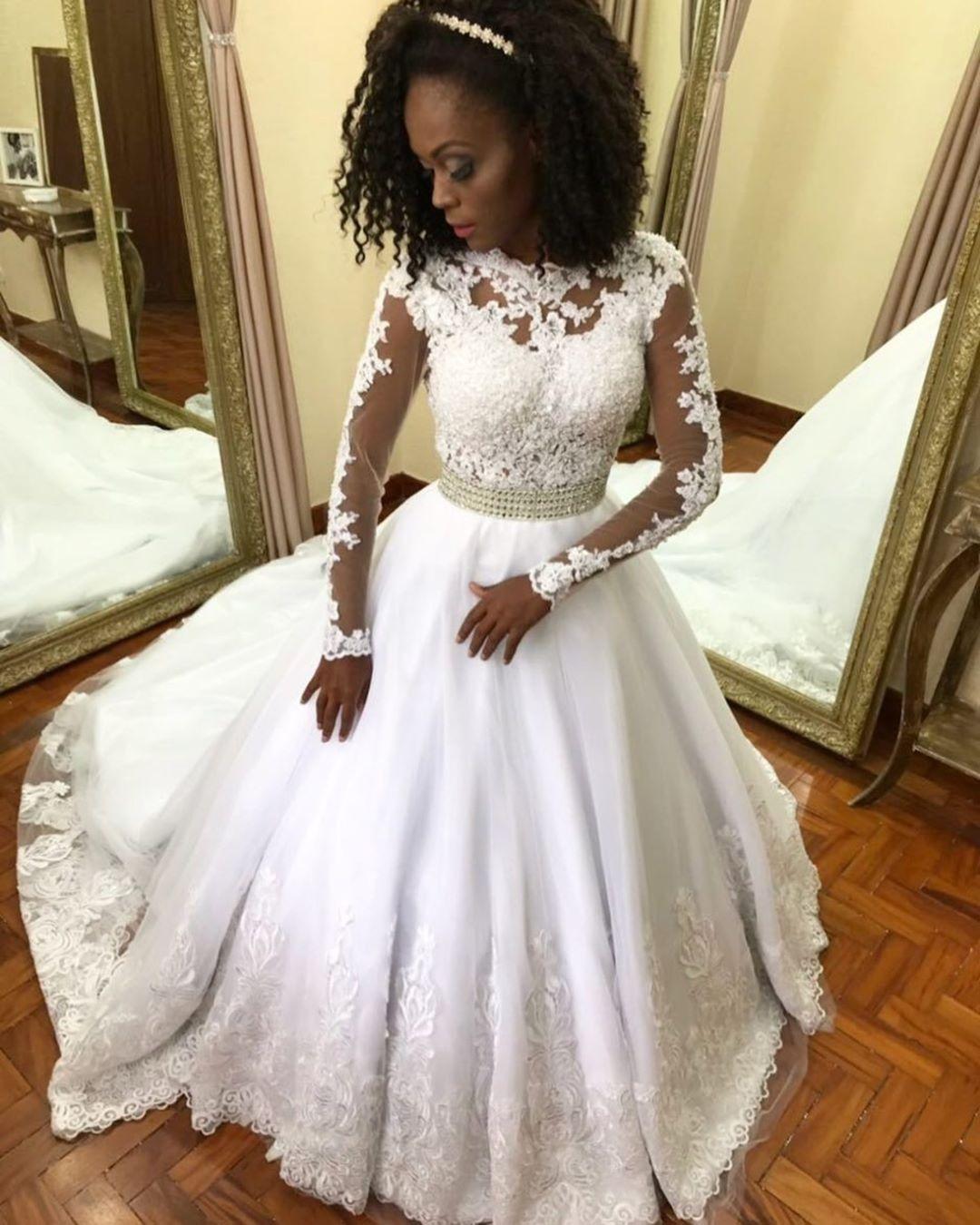 Glamorous Lace Wedding Dress Modest Vintage Long Sleeves