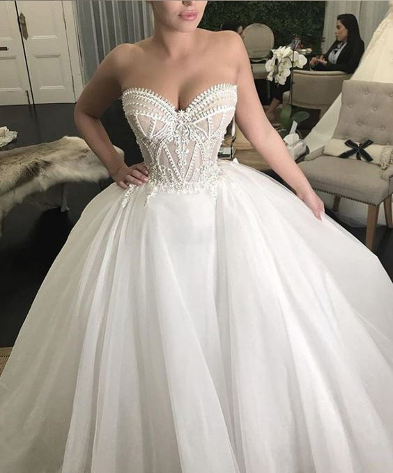 Puffy Sweetheart Neckline Tulle Ball Gown Wedding Dresses
