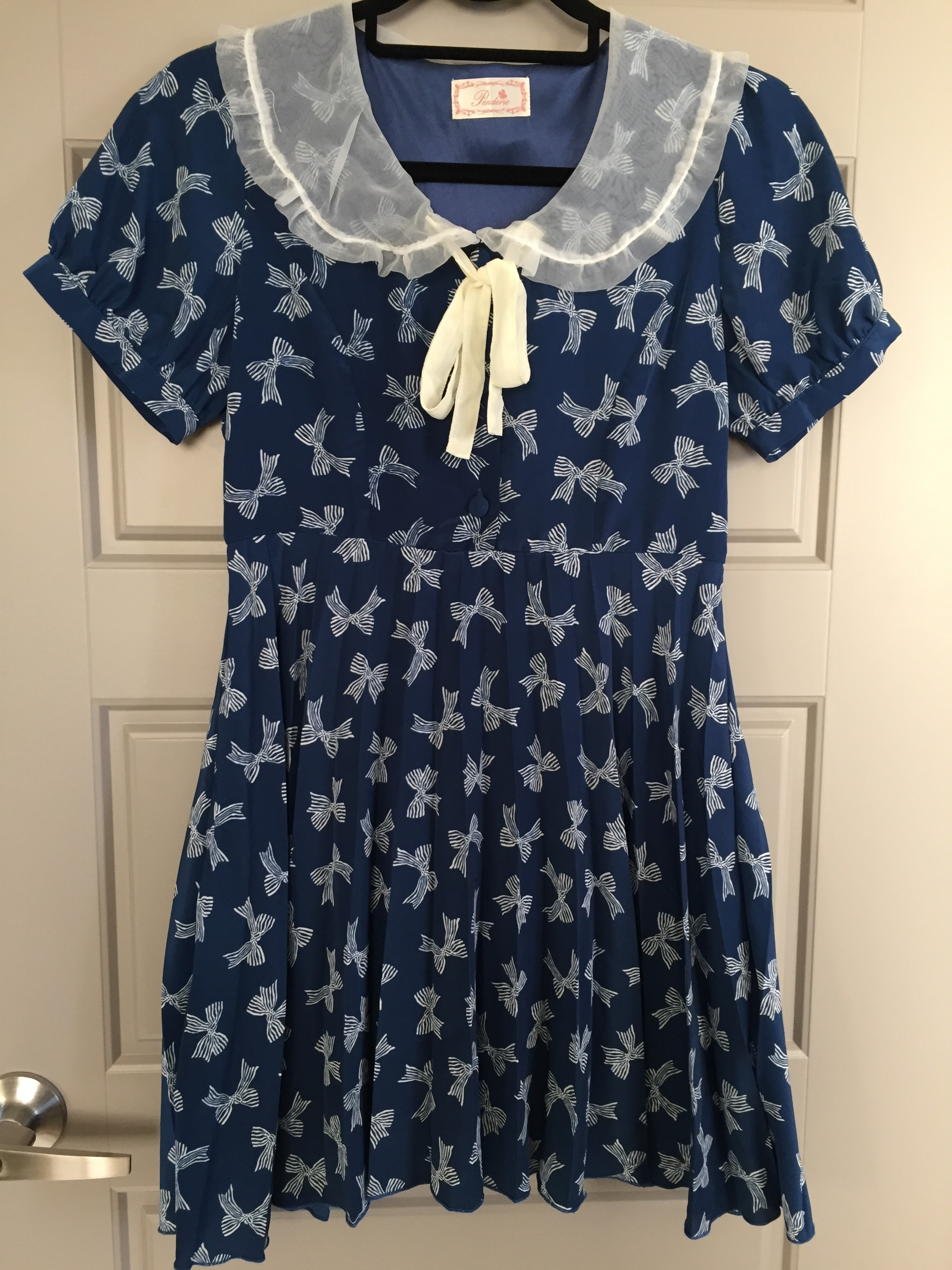 Penderie Navy dress with white bows. Without tags. Excellent ... 7451eb21a