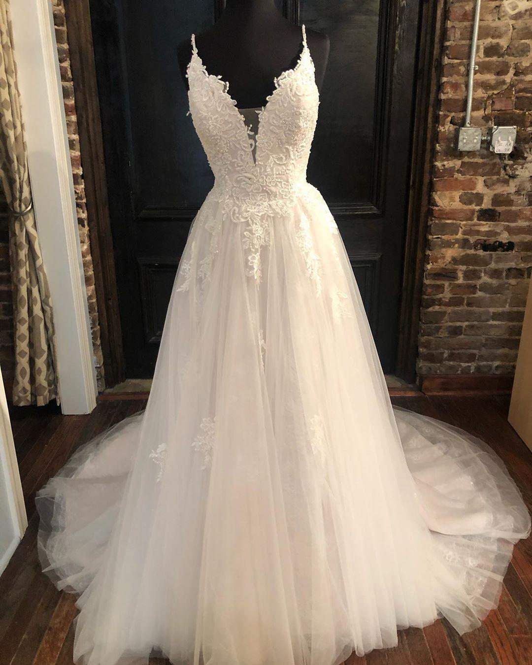 w95 ball gown lace wedding dresses,wedding dress,custom made wedding gown  from fancygirldress