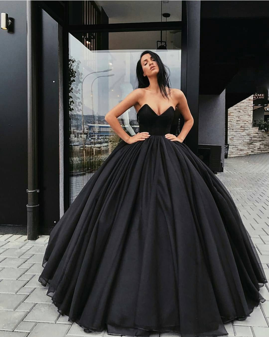 Black Ball Gown Prom Dress V Neck Strapless Floor Length Plus Size Formal Evening Dresses Long Party Gowns